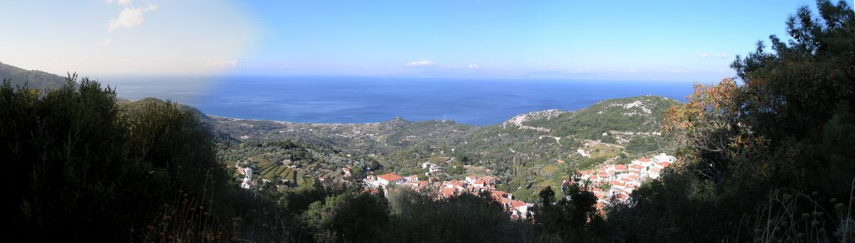 The path between Manolates and Vourliotes ends above Vourliotes. This is a view towards the north